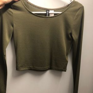 Tops - H&M long sleeve army green crop top